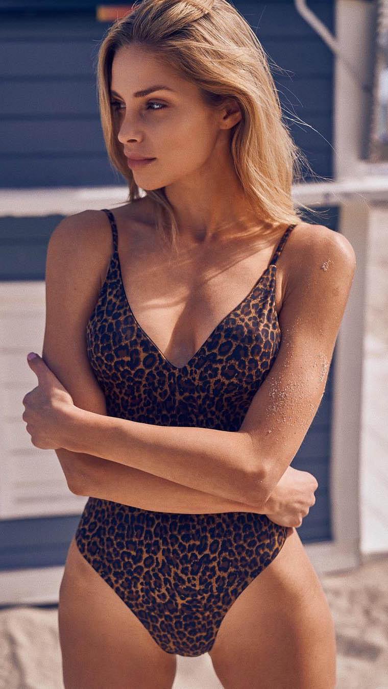 Model Debi