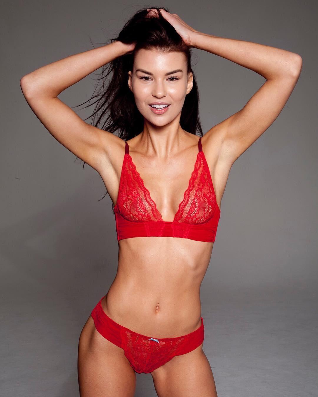 Model Stacy