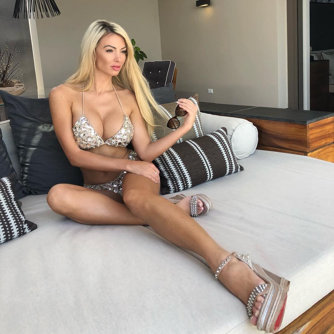 Model Paula