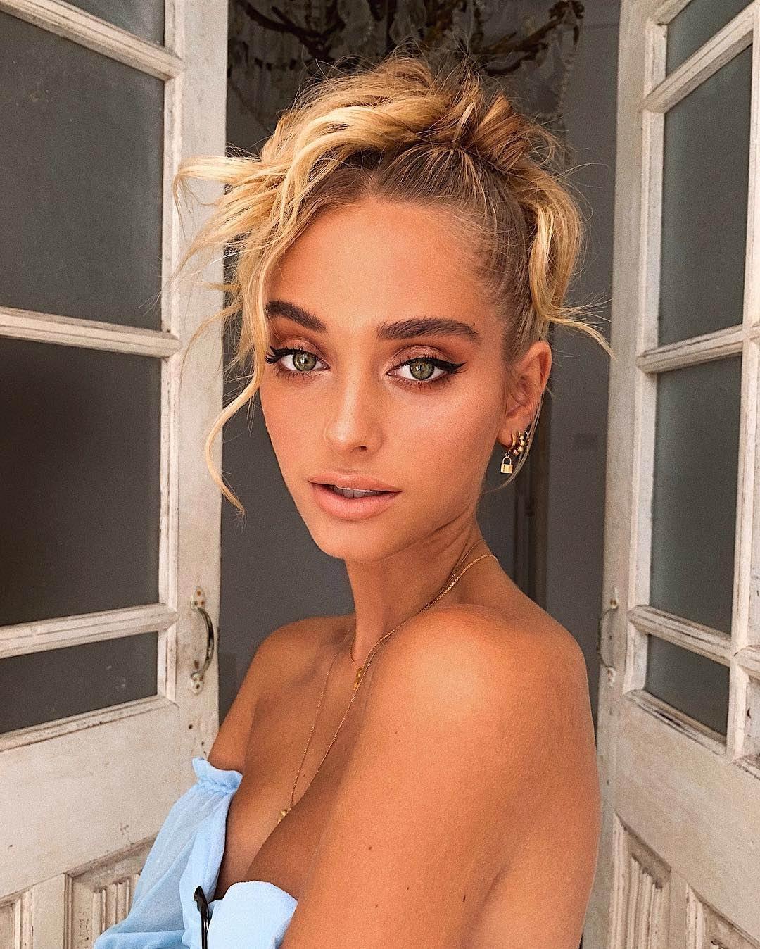 Model Hanna