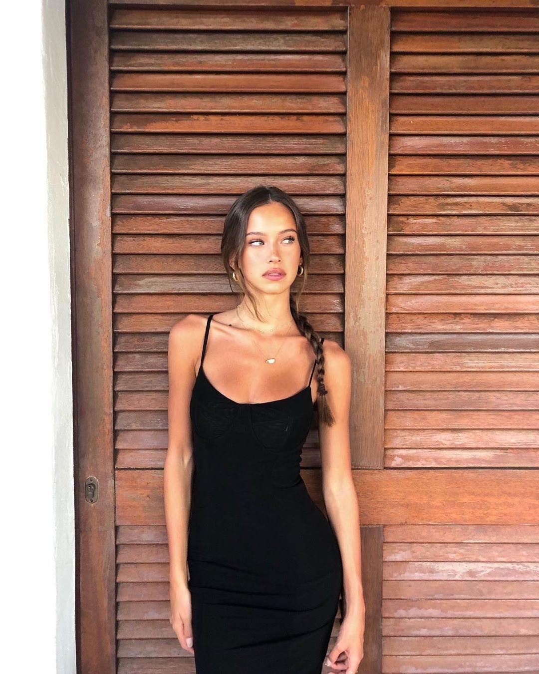 Model Cristiana