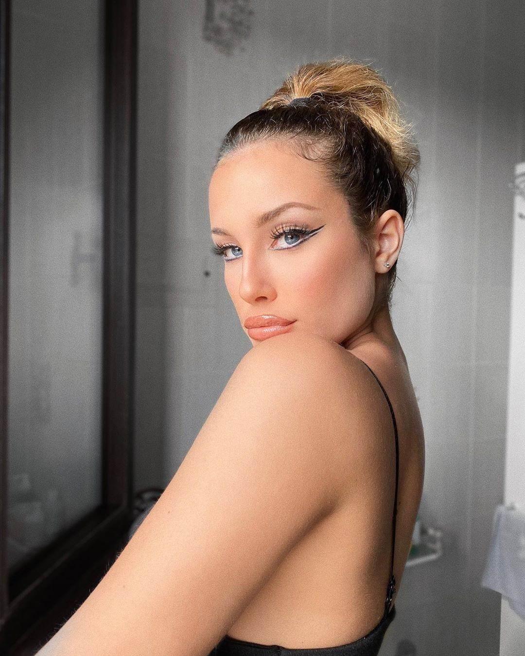 Model Shelley