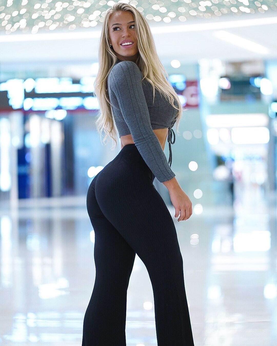 Model Deborah