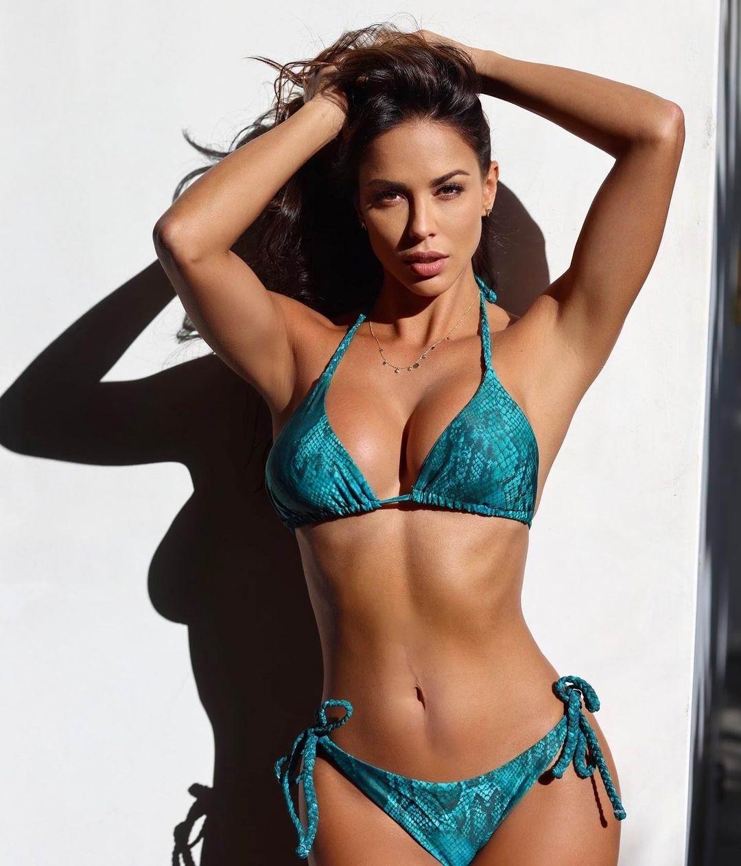 Model Jeannette