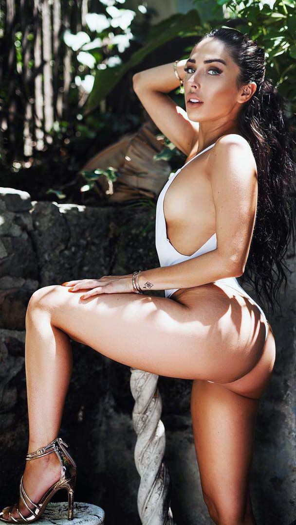 Model Serena