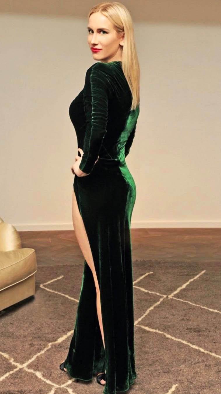 Model Taryn